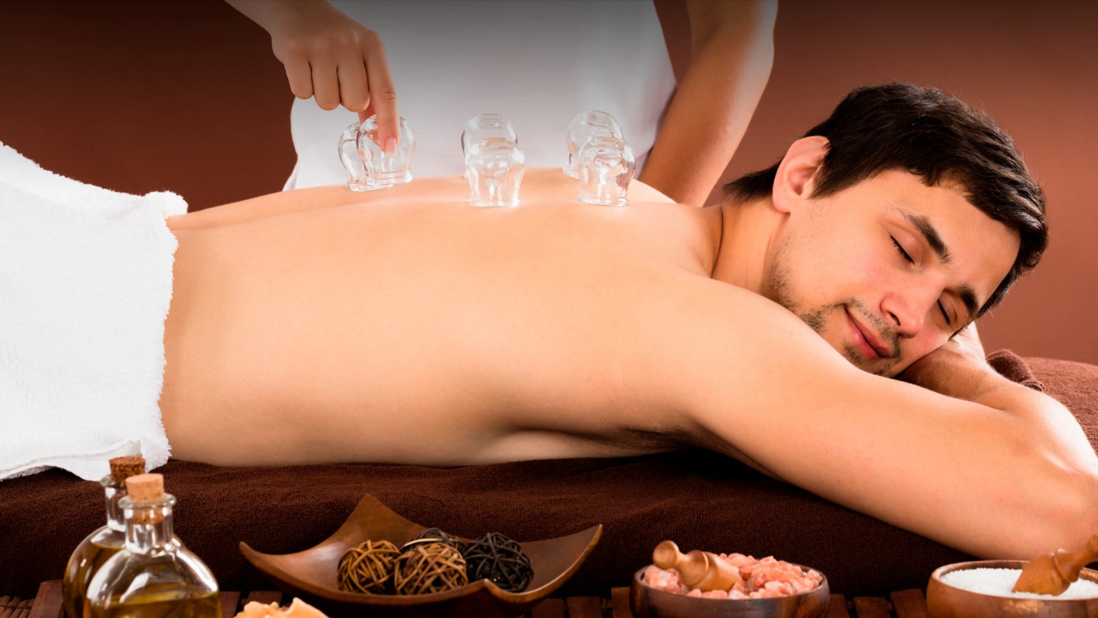 Aqualon Wellness | April Angebot: 45-minütige Schröpf-Wellnessmassage zum Sonderpreis